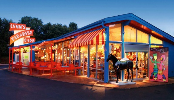 Lynns Paradise Cafe Closes